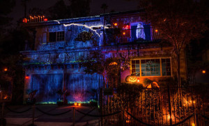 House At Haunted Hill Yard Haunt