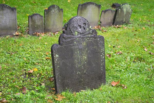 Skull and crossbones gravestone in Boston.