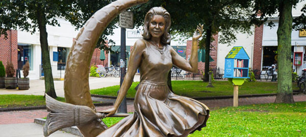 Statue of Elizabeth Montgomery from Bewitched