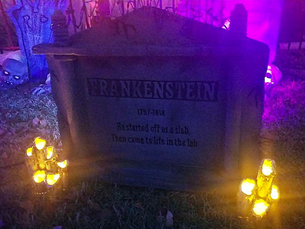 Tombstone without LED spotlights